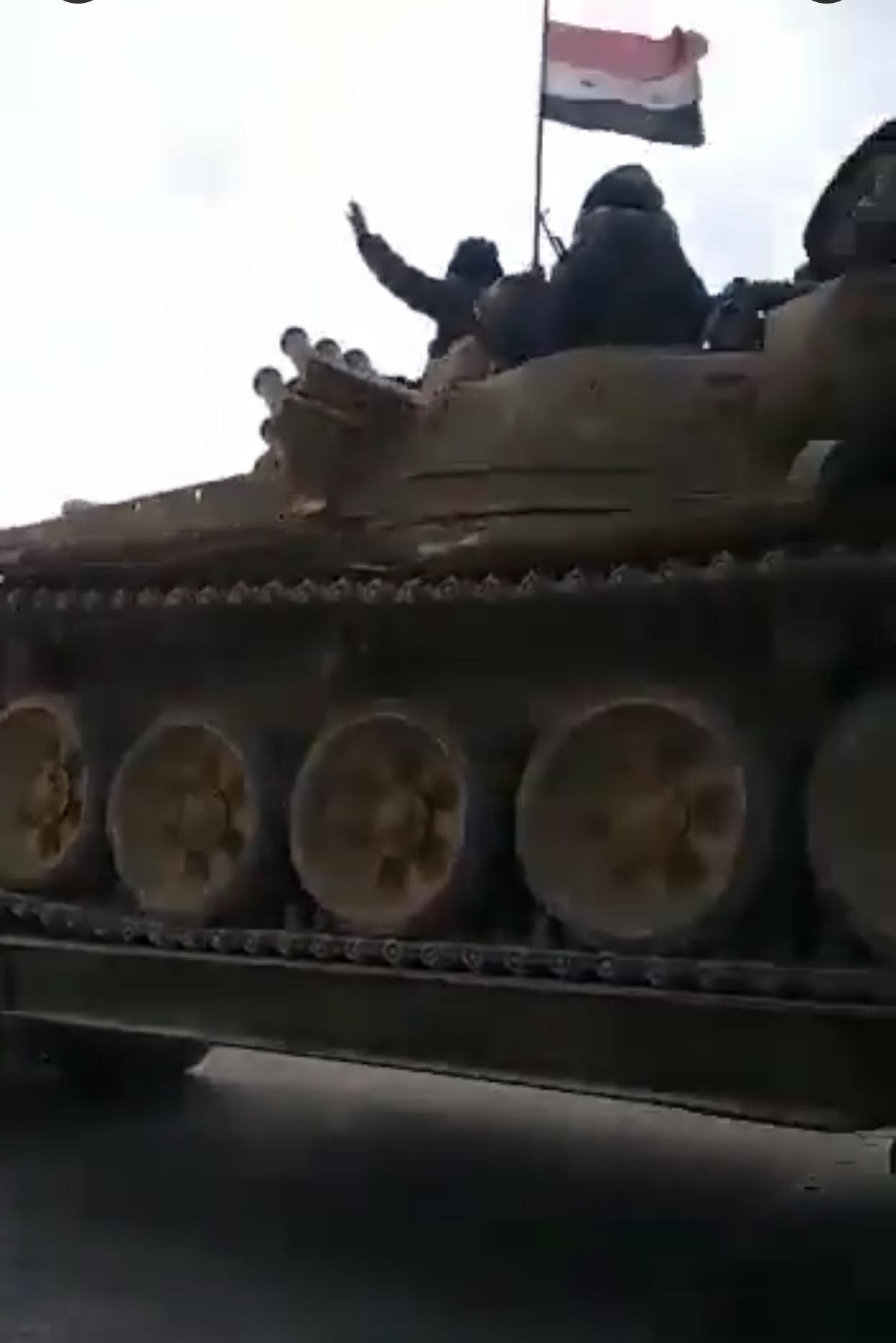 Συριακά τεθωρακισμένα εισέρχονται στο Manbij – Απάντηση στα τούρκικα που έχουν καταφτάσει έξω απ' την πόλη