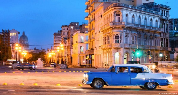Η Κούβα γιορτάζει και επιμένει