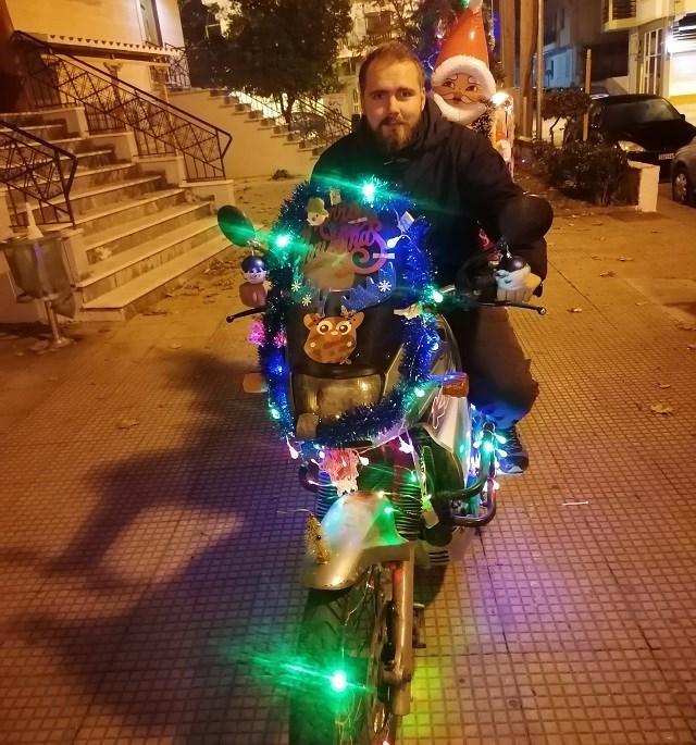 Ο ντελιβερας των Χριστουγέννων.