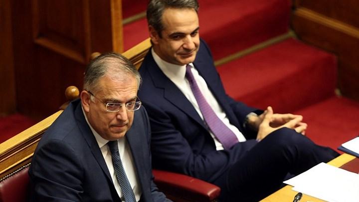 Όλοι πλην Λακεδαιμονίων. Με ιστορική πλειοψηφία 288 βουλευτών εγκρίθηκε το νομοσχέδιο για την ψήφο των Ελλήνων του εξωτερικού.