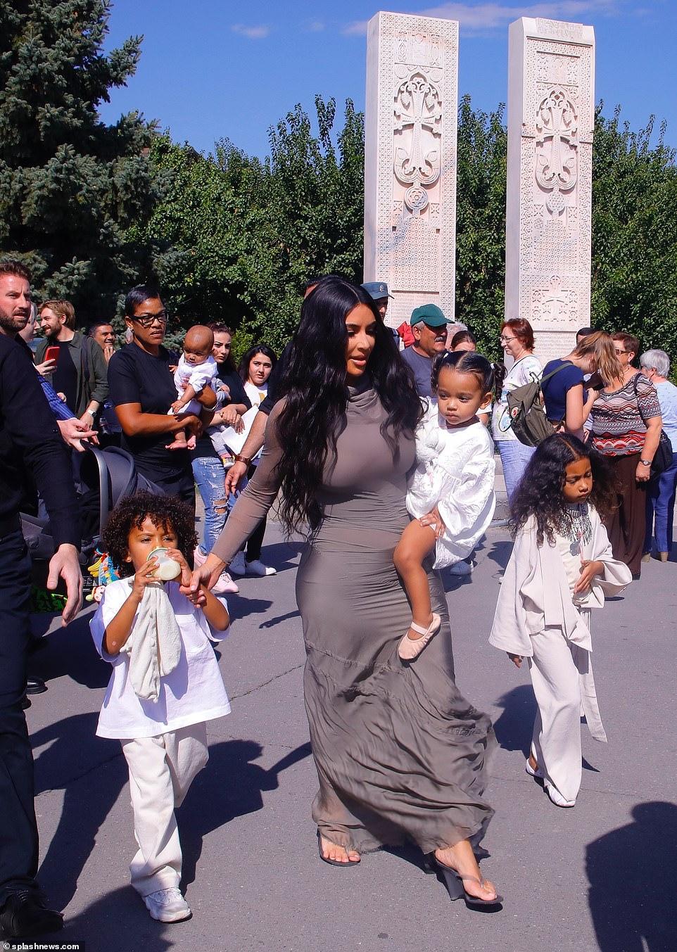 Η υπέροχη πατριώτισσα Kim Kardashian.