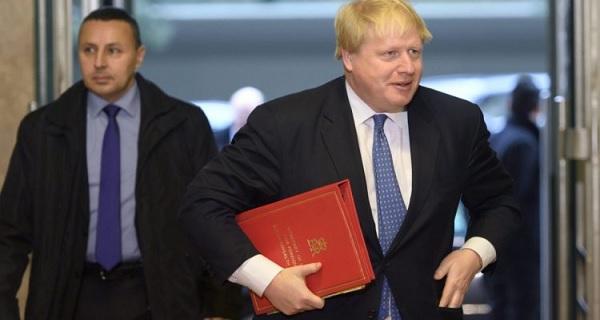 Απάντηση στις βρετανικές τρικλοποδιές υπάρχει: Καμία διευκόλυνση για τις βάσεις