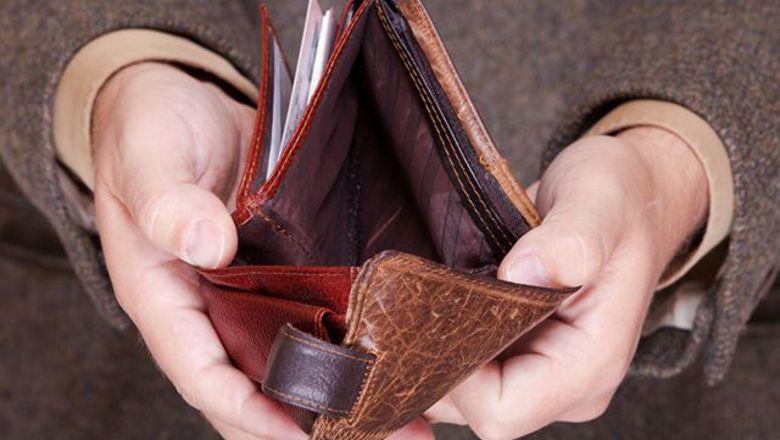 Αναλυτικά. Που μειώνεται από την Δευτέρα ο ΦΠΑ. Στην Εστιαση Αναψυκτικά και Υπηρεσίες.