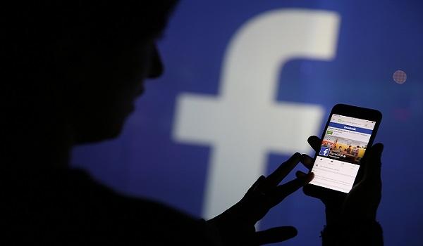 Facebook: Θα ελέγχει την ταυτότητα όσων οι δημοσιεύσεις γίνονται viral