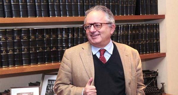 Ο κύριος Αλιβιζάτος, μέλος Δ.Σ. στην ΜΚΟ του Σόρος, προτείνει στους Έλληνες να κάτσουν φρόνιμα