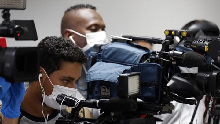 Κάτι περίεργο συμβαινει στο Περού. Πέθαναν 20 δημοσιογράφοι που έκαναν ρεπορταζ στις εστίες του κορονοϊο.