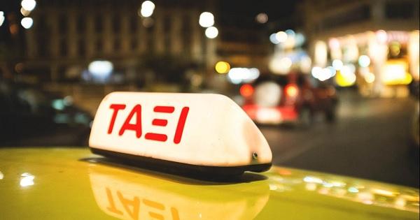 Καταρρέει ο κλάδος των ταξί