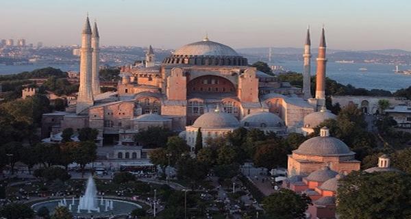 """Ολυμπία Τελιγιορίδου για την Αγία Σοφία σε Τζαμί:""""Ανιστόρητη η ενέργεια του Ερντογάν"""""""