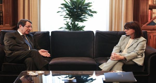 Η κρίσιμη παράλειψη Σακελλαροπούλου ανατρέπει την στρατηγική για το Κυπριακό