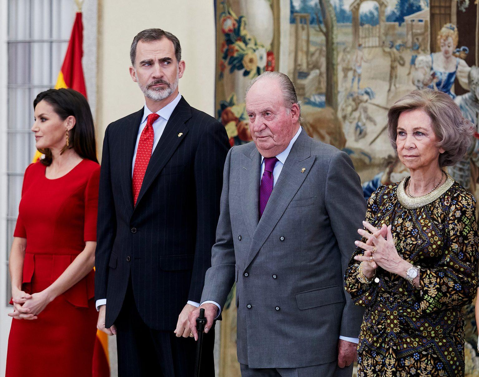 """Θηδιώδεις μίζες 80 και 100 εκατομυρίων ευρώ για Ελλάδα και Ισπανία σε """"αγωνιστές της Δημοκρατίας""""! Στα πράσα πολιτικοί γιατροί δικηγόροι δημοσιογράφοι…"""