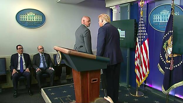 ΤΩΡΑ: Πυροβολισμοί στον Λευκό Οίκο. Ο Τραμπ εγκατέλειψε συνέντευξη τύπου.